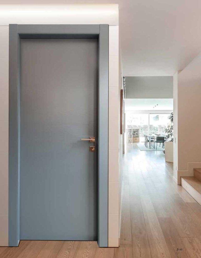 porta in legno laccato