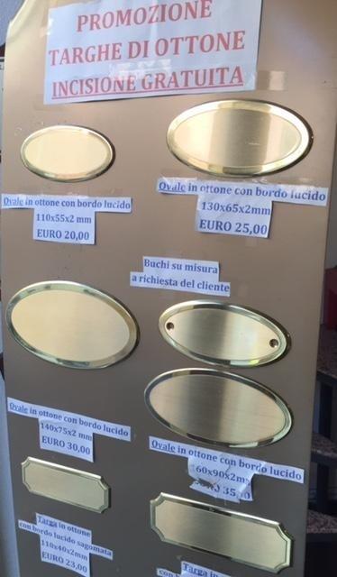 promozione targhe di ottone incisione gratuita