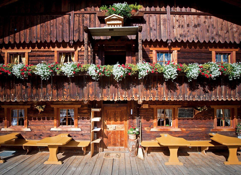 ingresso del ristorante tipico locale