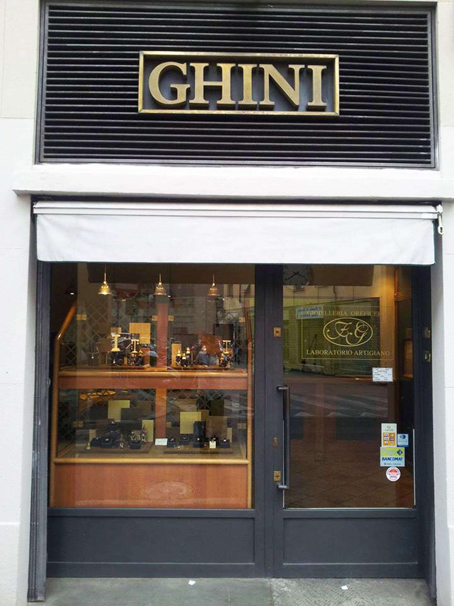 Vista esterna della gioielleria Ghini a Firenze