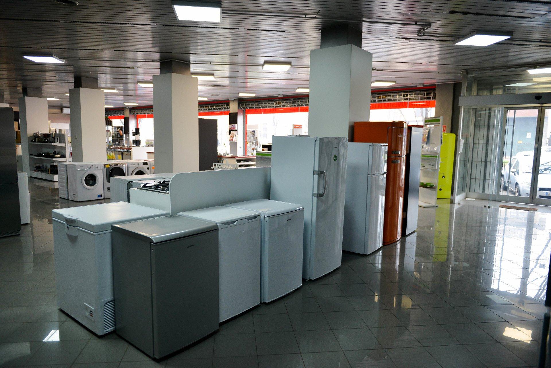 Vendita elettrodomestici - Torino - Alla fonte del ricambio