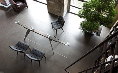 tavolo ripiano in vetro