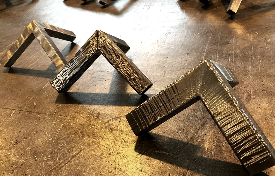 finiture artistiche su scatolati di metallo
