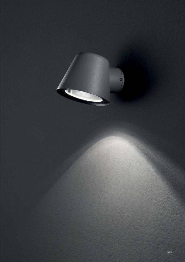 lampada da parete classica