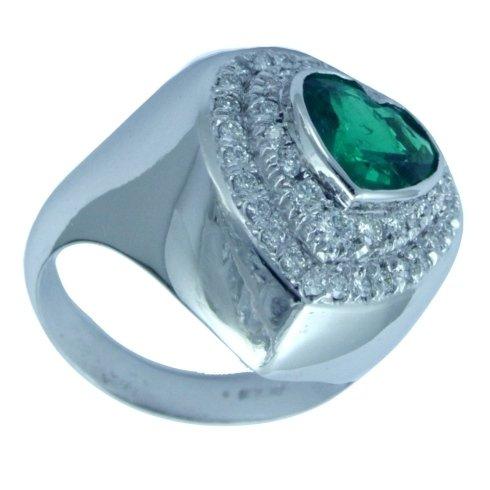 Anello in oro bianco con smeraldo taglio a cuore e diamanti