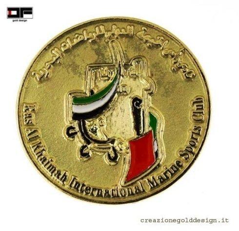 Spilla in oro e smalti Ras Al Khaimah RAK