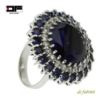 Anello, oro bianco, diamanti, zaffiri.