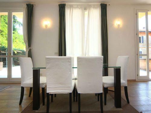sala da pranzo con arredo casa
