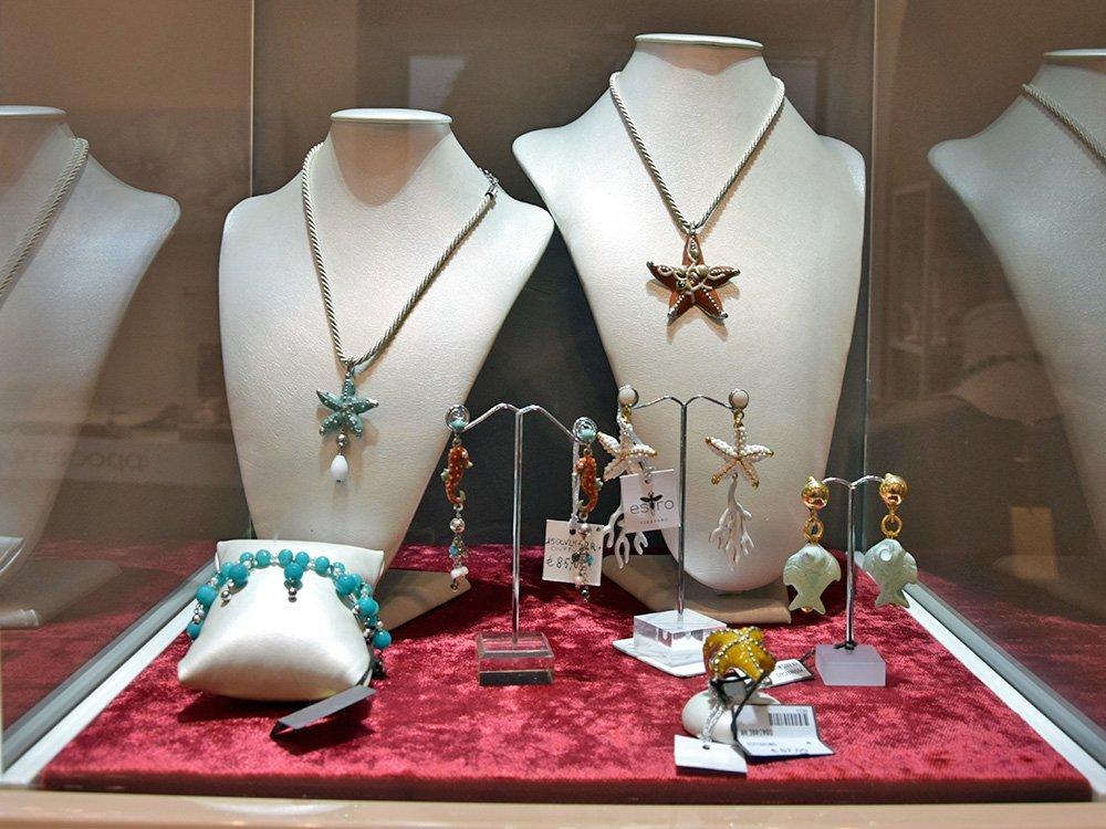 Collane e bijoux