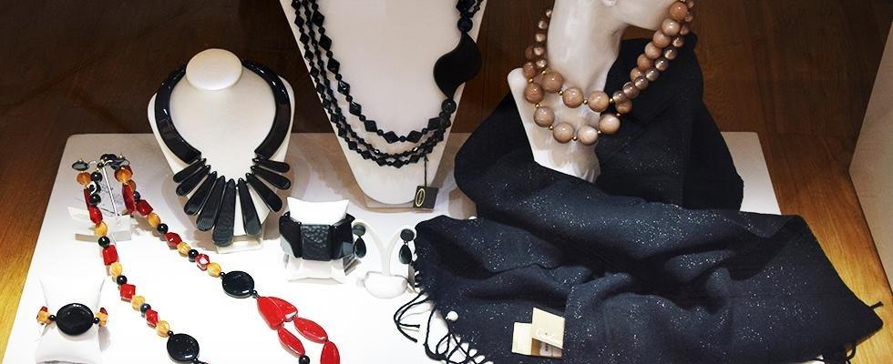 Foulard e gioielli