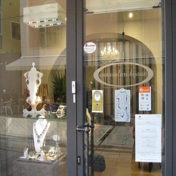 negozio di bigiotteria a Savona