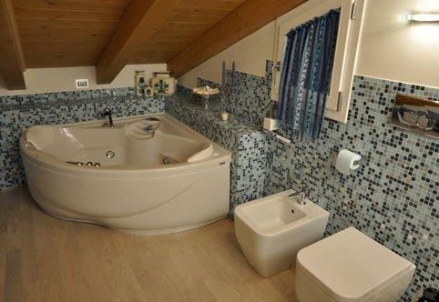 Ristruttrazione alloggi e bagni, arredo bagno, pavimenti ...