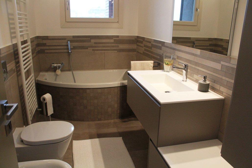 Ristruttrazione alloggi e bagni arredo bagno pavimenti nichelino moncalieri torino de - Bagno rettangolare progetto ...