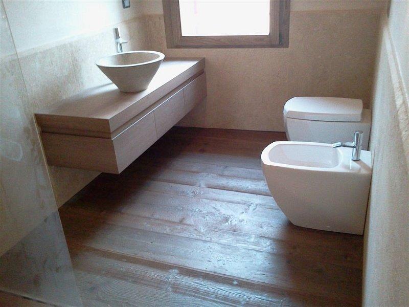Ristruttrazione alloggi e bagni arredo bagno pavimenti for Pavimenti per cucina e soggiorno