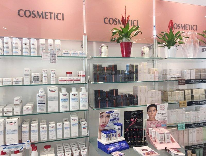 Cosmetici naturali, farmacia della metropolitana