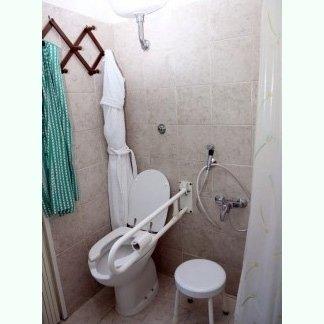 bagno accessibile foto due