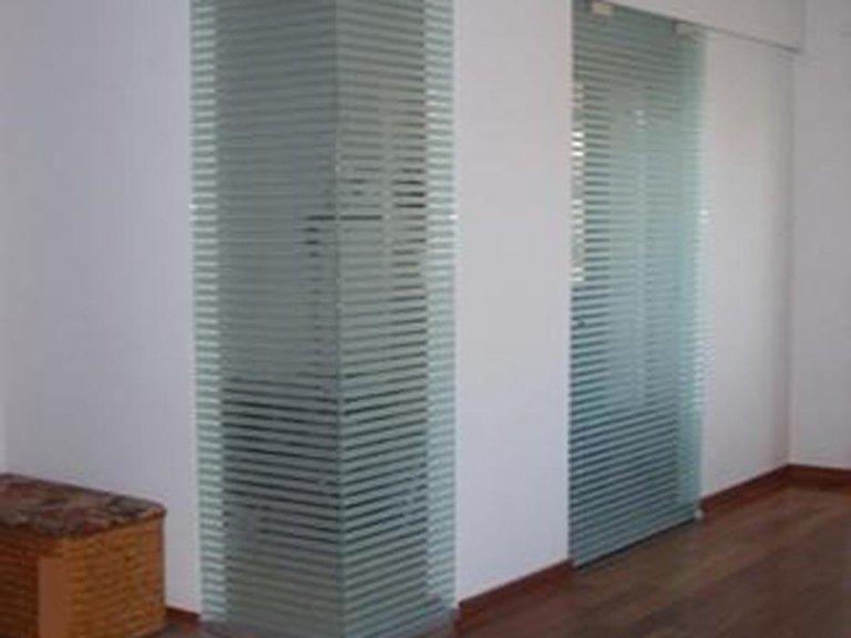 porte scorrevoli vetro temperato