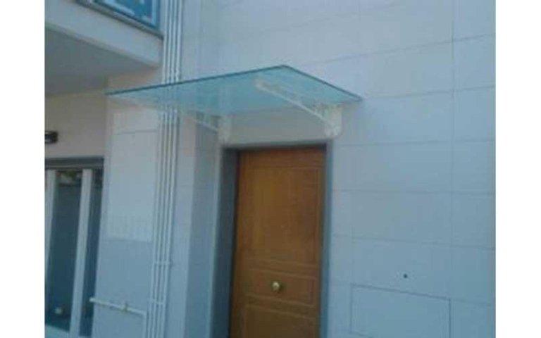 tettoia portoncino in vetro