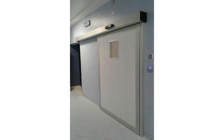 porta automatica sala operatoria ospedale di san giovanni rotondo