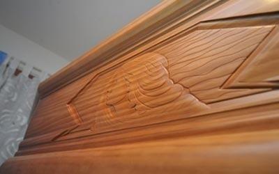 cofani funebri legno