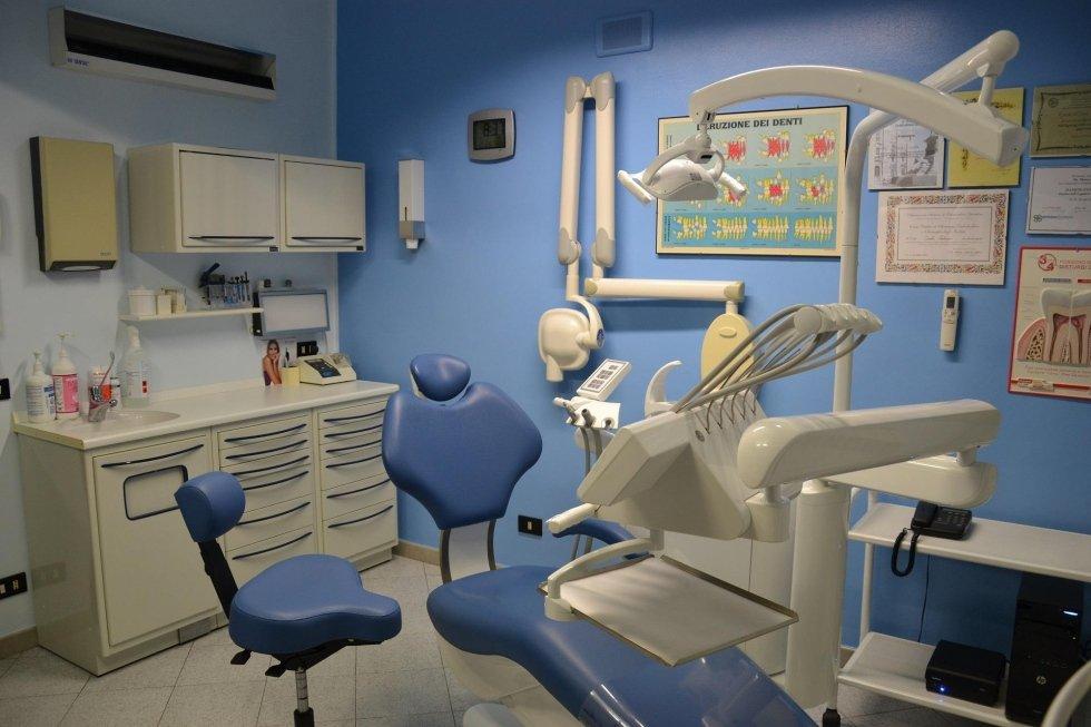 poltrona da dentista visuale anteriore