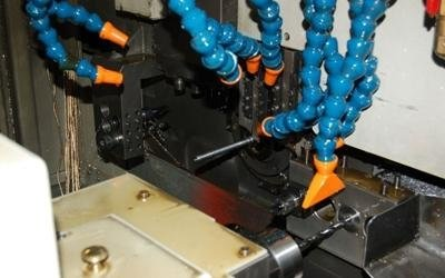 CNC and cam lathes