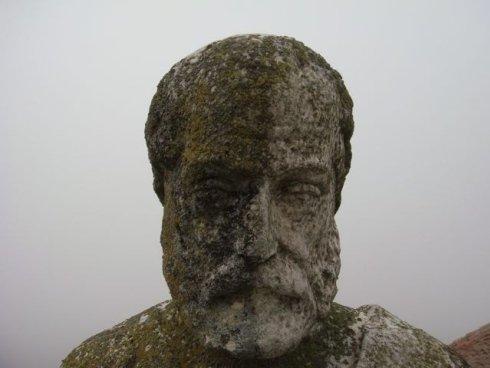 Vicoboneghisio: statue, pulitura