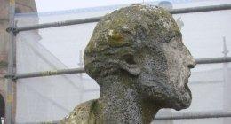 restauro statue pietra