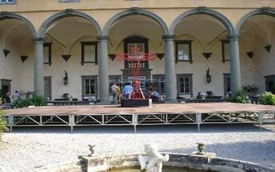 montaggio palco modulare villa oliva