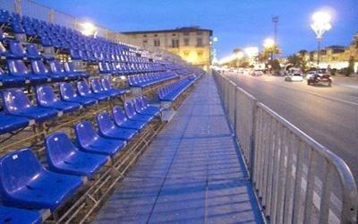tribune modulari carnevale di Viareggio