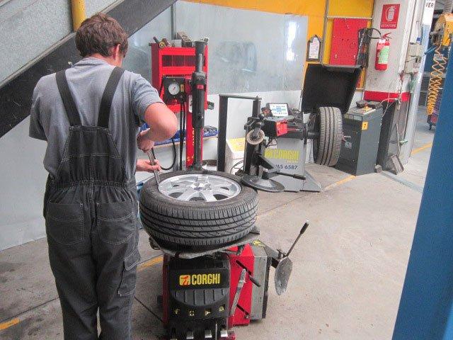 Servizio assistenza e riparazione completo e professionale