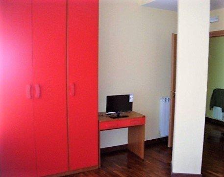 stanza rossa con tv