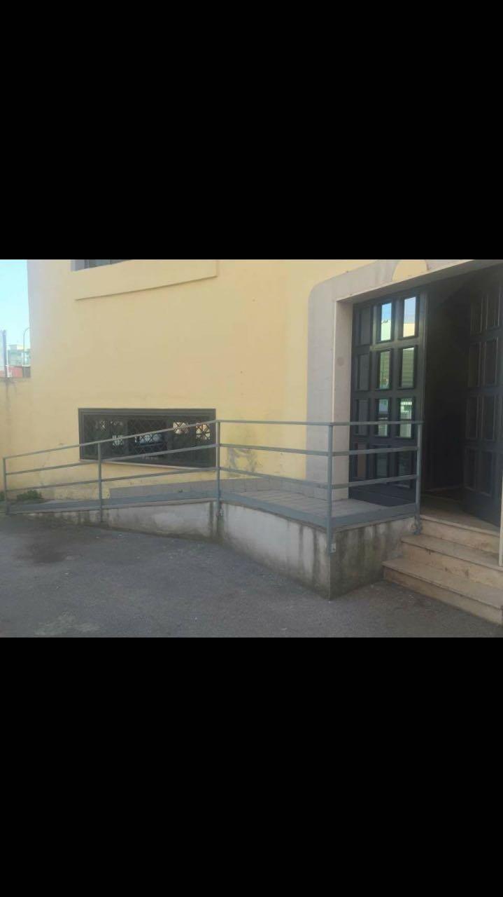 ingresso con rampa per disabili