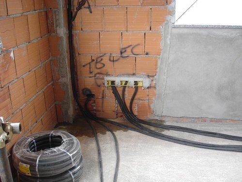 Cavo a fibre ottiche al cantiere