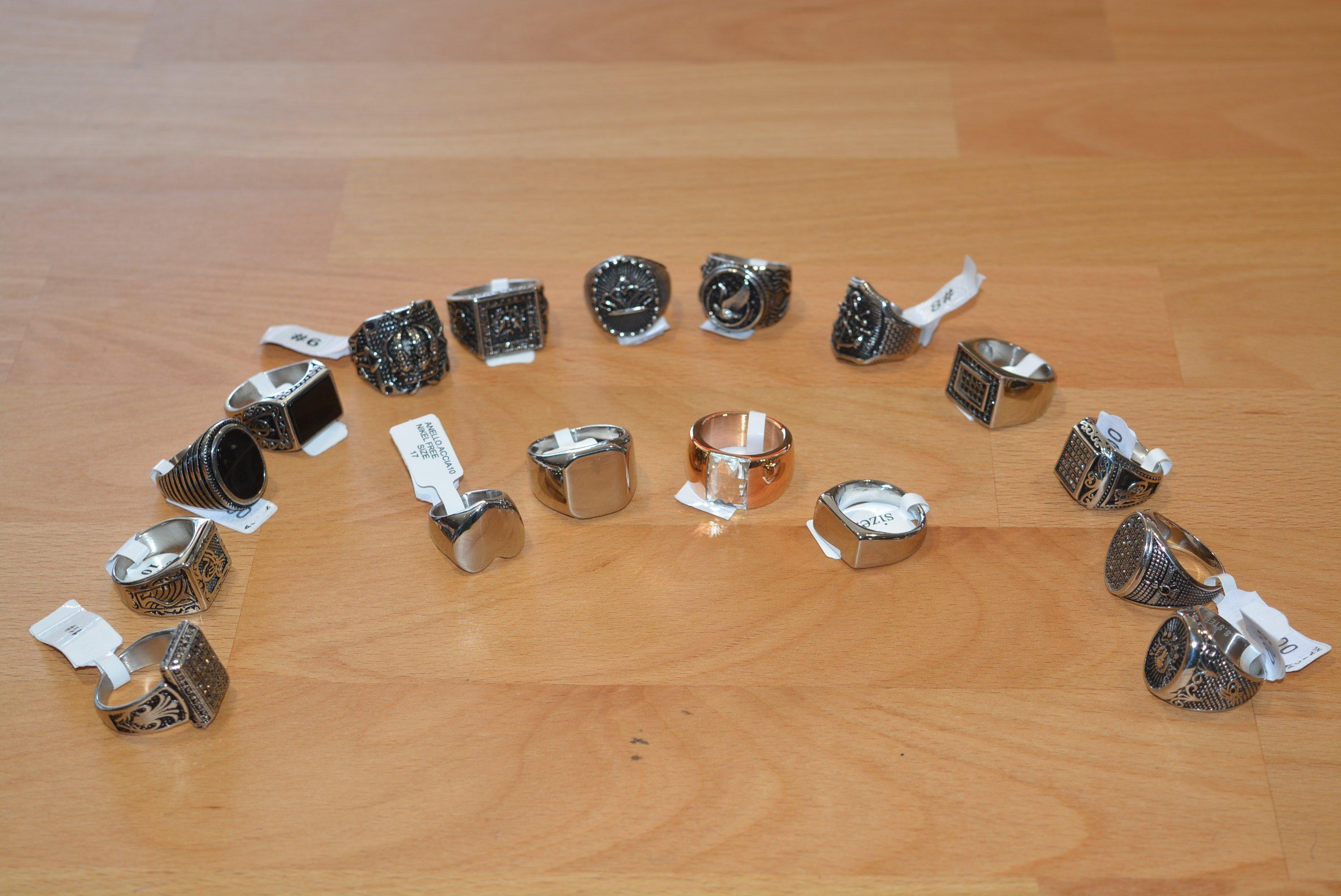 dei anelli da uomo