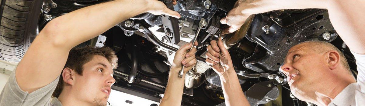 a class automotives mechanic working