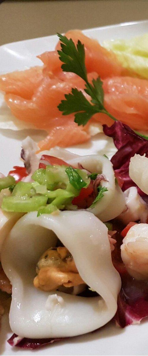 Salmone ed insalata di mare a Levico Terme