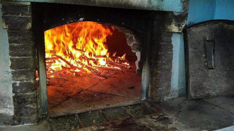 fuoco forno a legna