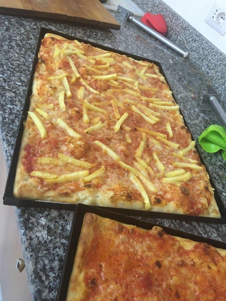 pizza con patatine