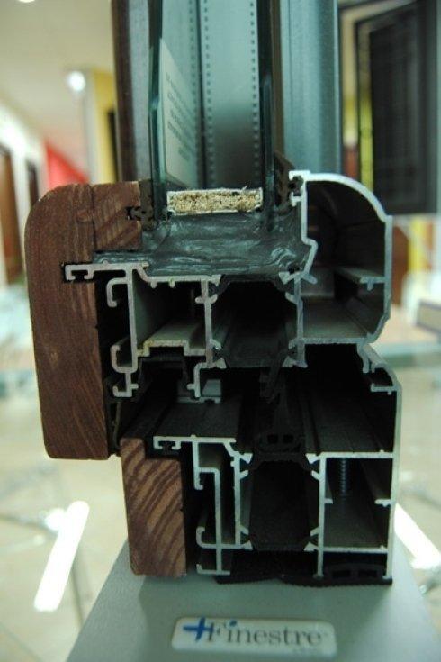 Sezione infisso in legno