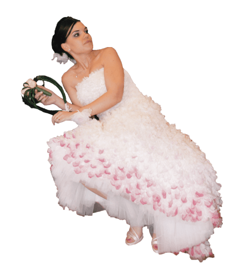 abito da sposa con fiori in stoffa