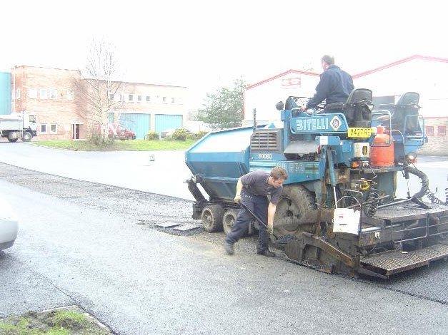 new road asphalting