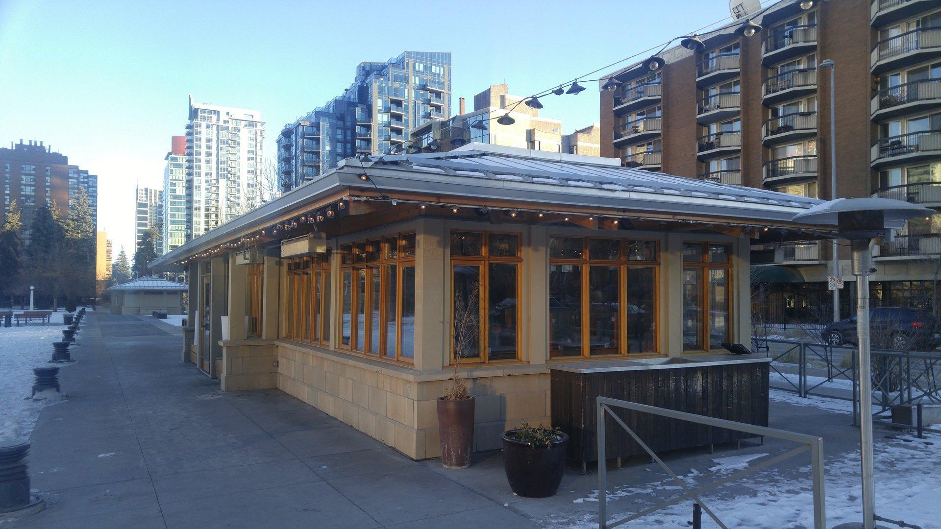 Restaurant In Central Park Calgary