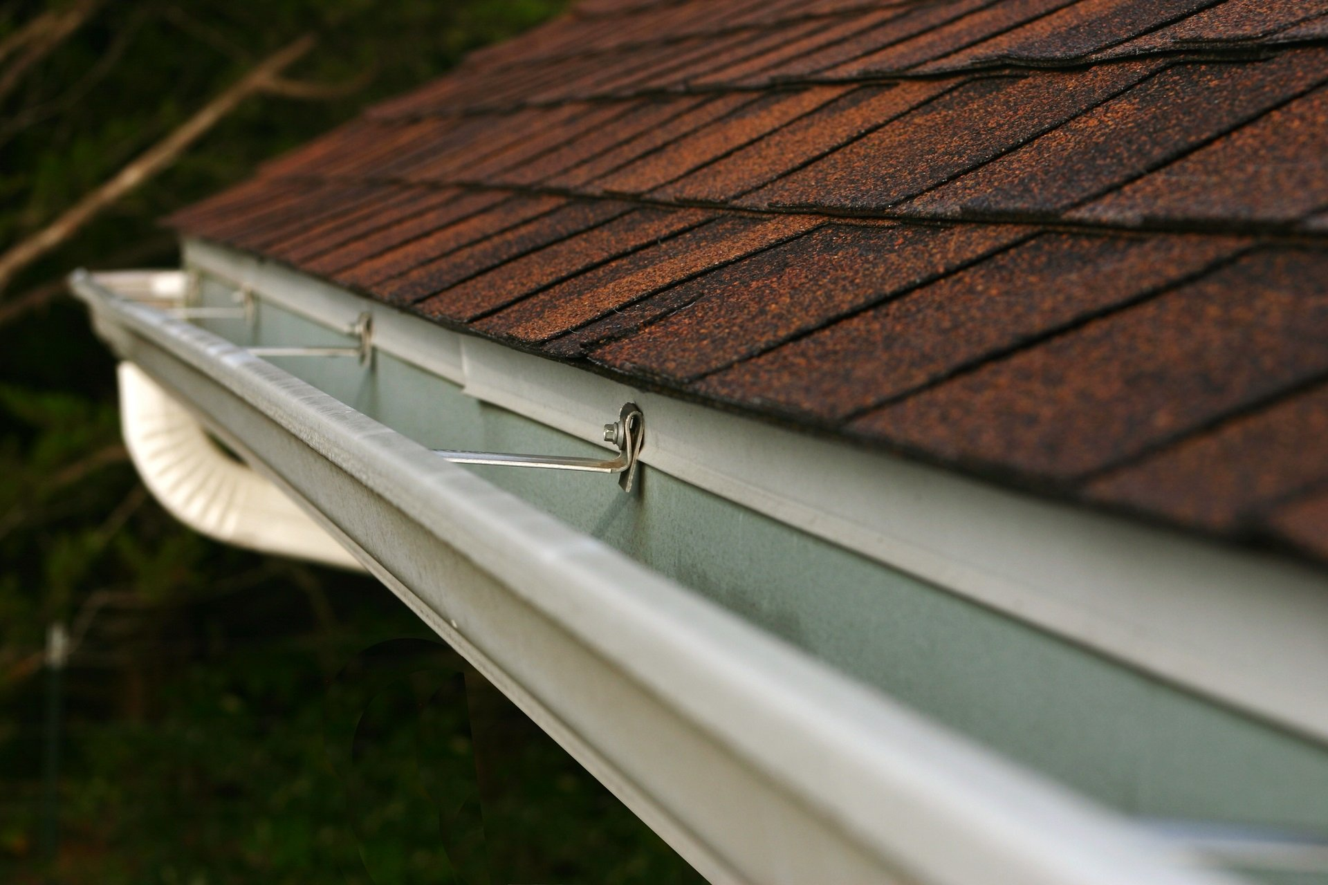 Professional rooftop gutter