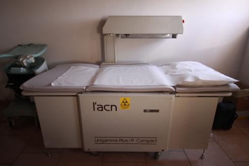 Il centro dispone di attrezzatura necessaria per esame di densitometria ossea.