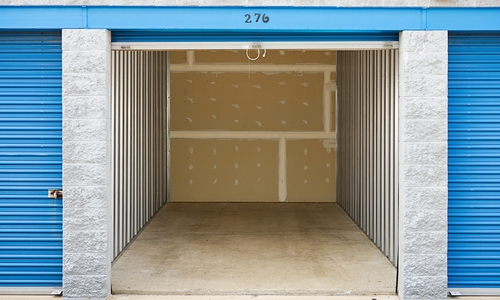 Clean, empty storage unit