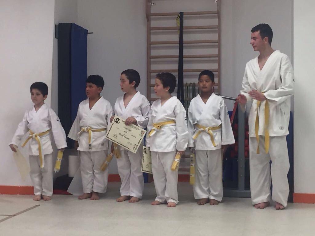Una lezione di karate per bambini