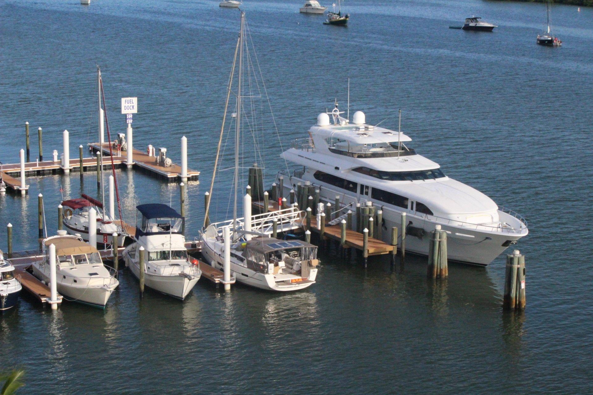 Moss Marina Full Service Marina Amp Luxury Boat Rentals