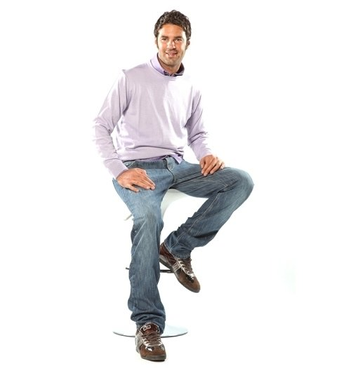 maglietta rosa e  pantaloni
