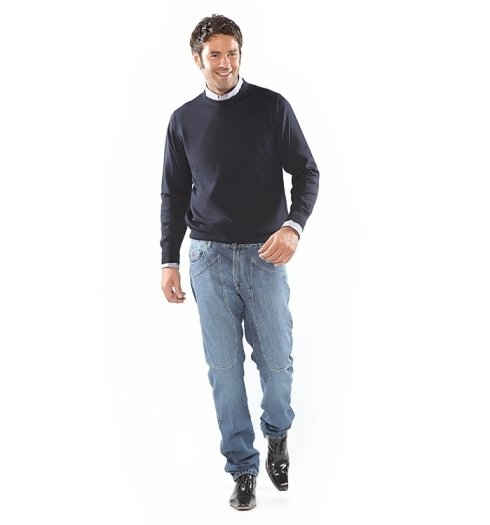maglietta e pantaloni casual